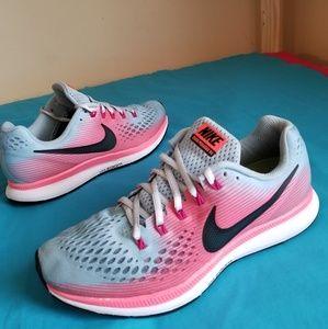 2017 Women's Nike Zoom Pegasus Size 8.5